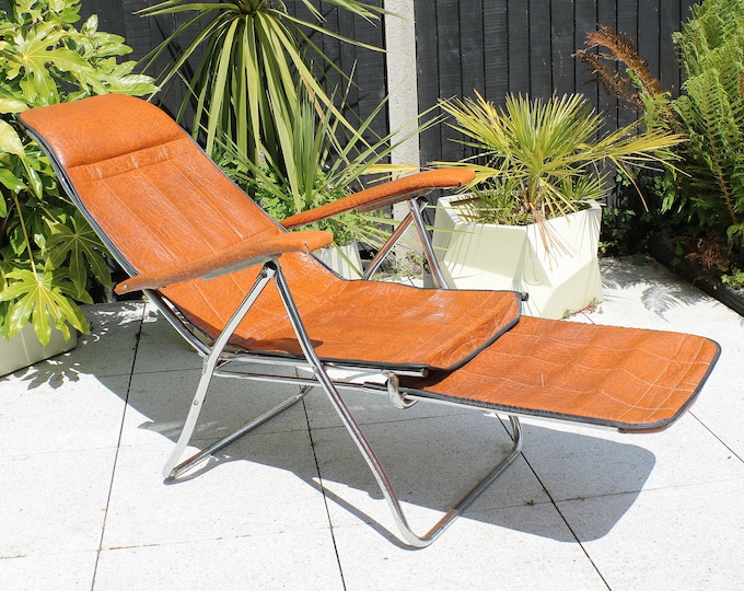 1960s / 70s Maule Marga mid century lounging garden chair with extending foot stool. Italian - metal and faux leather
