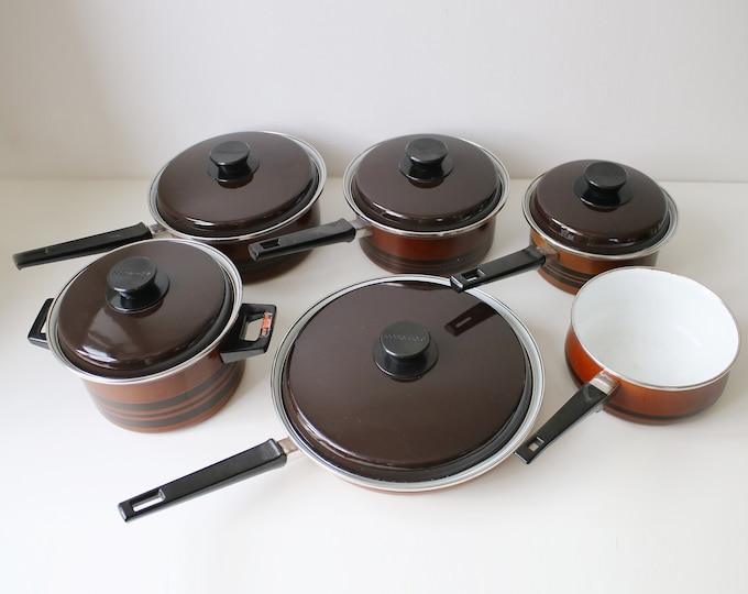Complete six piece set of 70s enamelled pans by Pointerware