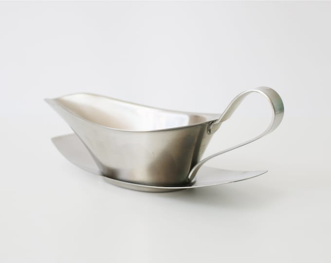 Old Hall (Alveston) stainless steel gravy or custard jug / boat with tray - half pint