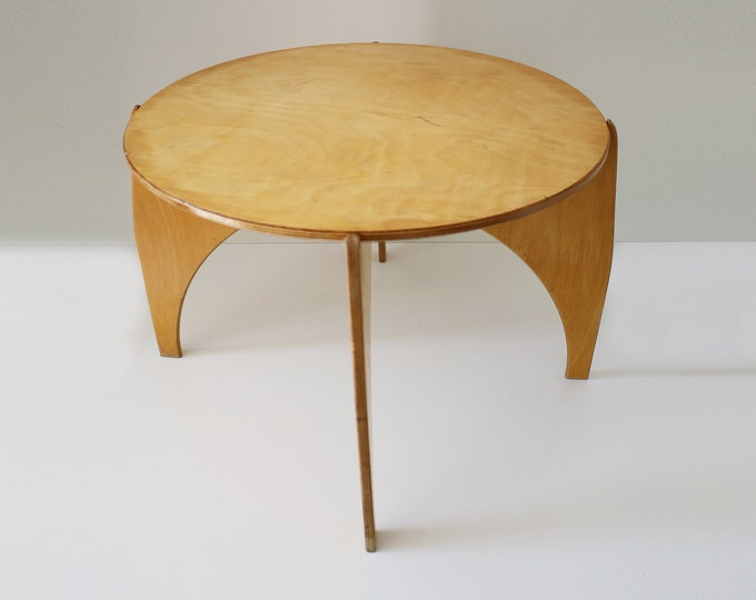 Rare plywood coffee side table - interlocking flat pack zero waste design - late 20th Century