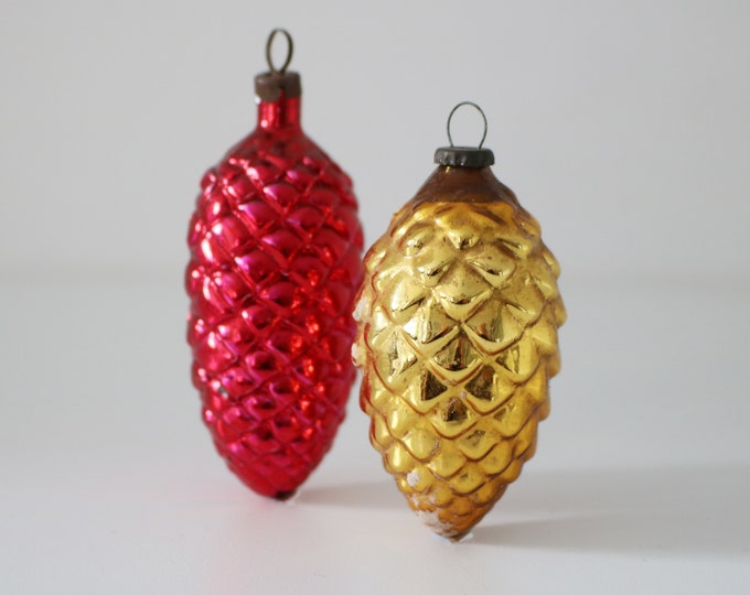 Pair of mid century glass pine cone tree decorations / bauble - red and gold