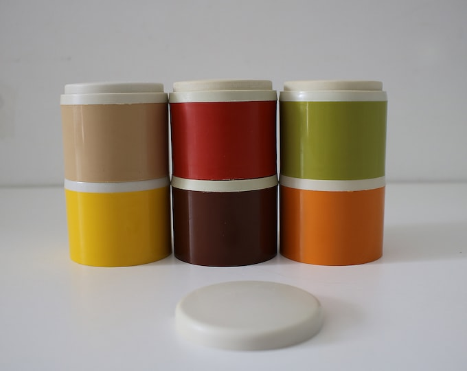 Set of 6 stacking spice shakers containers by Tupperware 1970s