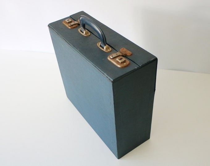 1950s/60s solid record carry case with drop down index table