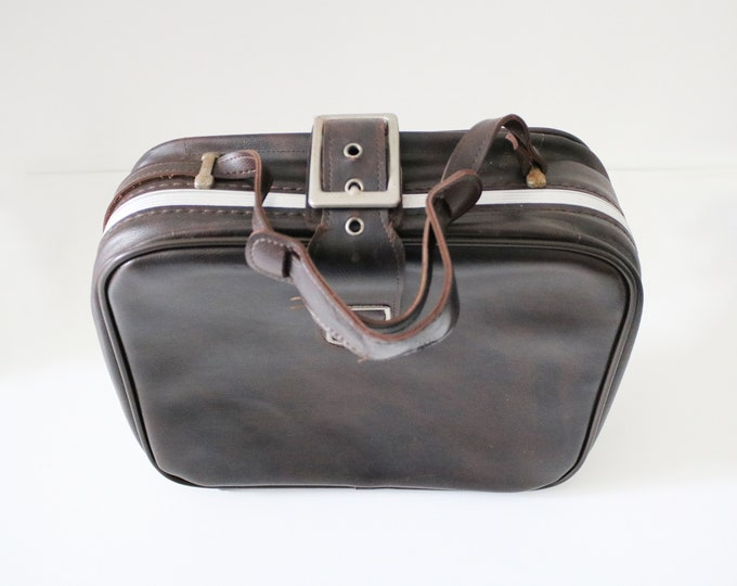 1960s overnight case / bag with adjustable shoulder strap - brown faux leather / fabric lined