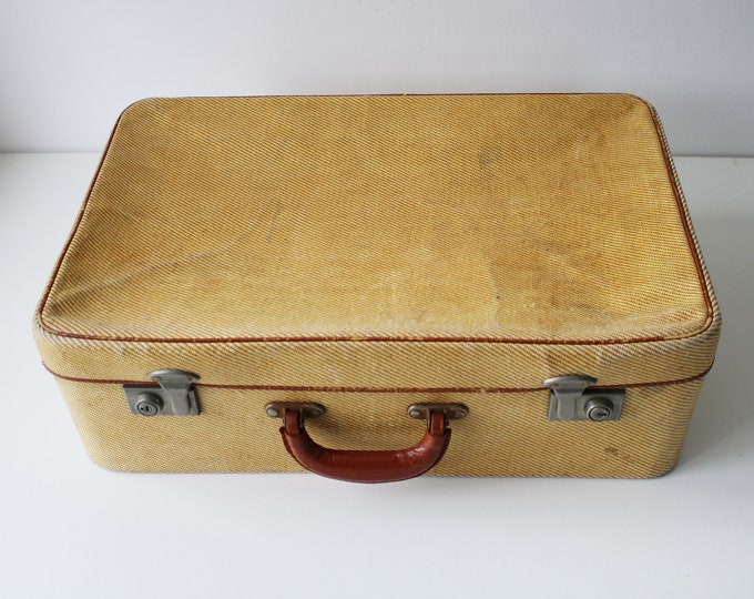 Early 20th Century English suitcase in cream weave with leather detail - The Cygnet Case