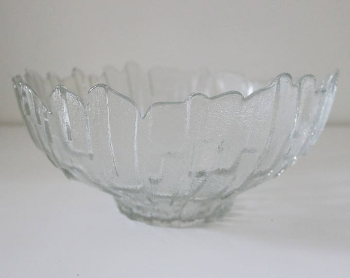 1970s Ravenhead Flair ice bark glass fruit bowl