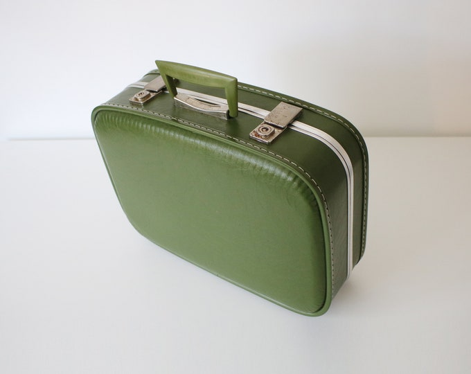 1960s beauty case - overnight bag - vanity case - cabin bag - luggage - green and silver