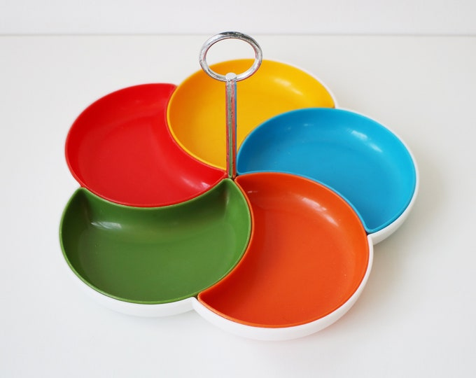 1960s / 70s French daisy / flower shaped, colourful plastic serving tray - mezze, nibbles, party food
