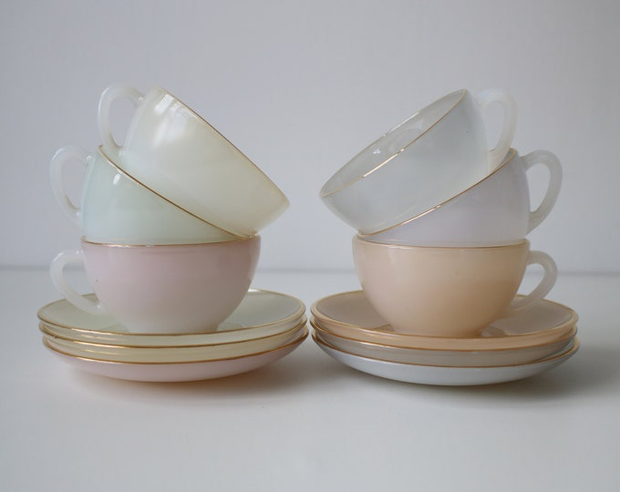 Set of 6 Arcopal Harlequin cups and saucers in pastel colours with gold rims - 1960s retro tea party
