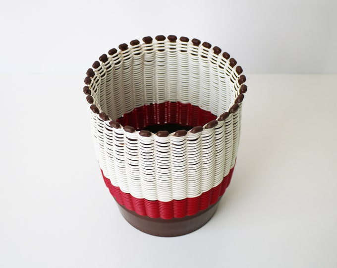 1950s woven plastic waste paper bin basket / plant pot holder. Made in Greece by Smit and Company