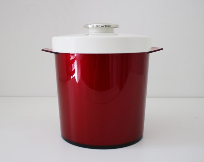1970s ice bucket in red and white plastic  by Insulex