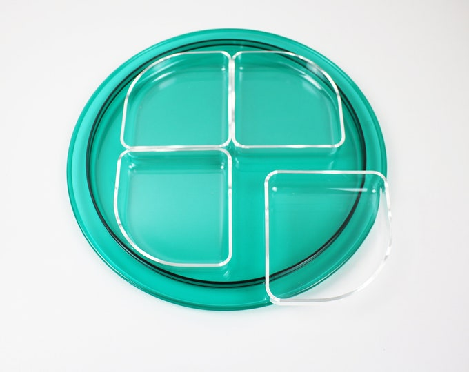 1990s Italian hors d'oeuvres serving tray in clear and clear emerald green lucite by Guzzini - Ninfea range