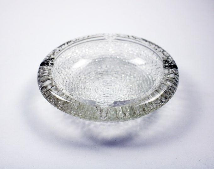 Anchor Hocking Soreno textured glass ashtray trinket dish - clear bark ice glass - 70s 80s