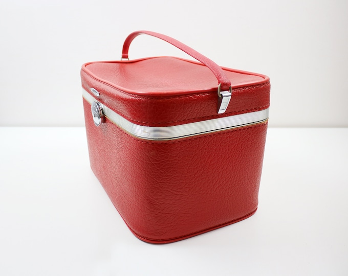 Antler train case / vanity cosmetics bag in red textured faux leather and metal - hard shell