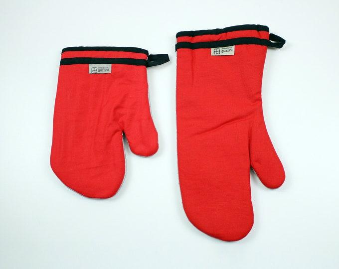 1980s Guzzini mitt / glove in bright red and black - Italy