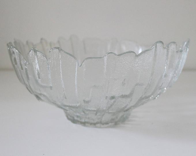 1970s Ravenhead Flair ice bark glass fruit bowl