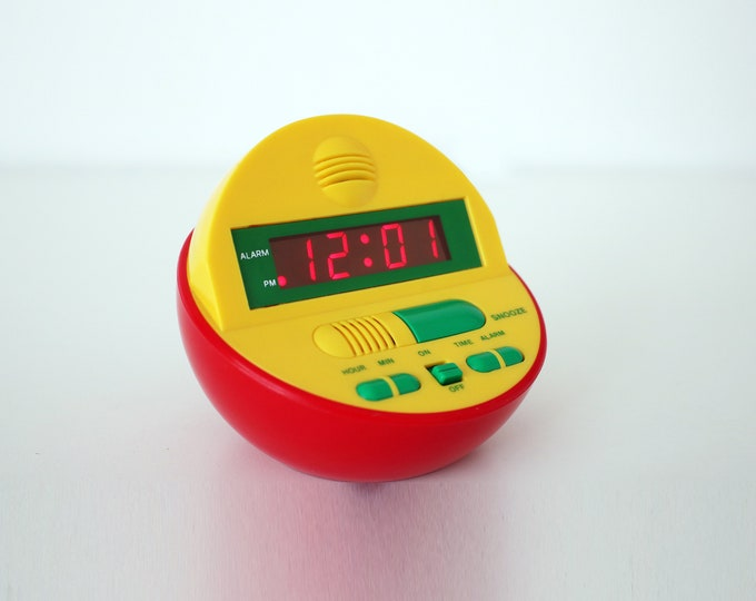 1980s 90s Memphis style digital alarm clock in bright plastic - working order - electric or battery