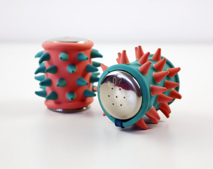 1990s spiky rubber cruet set - Memphis inspired pastel pink and blue CONCH - rare item