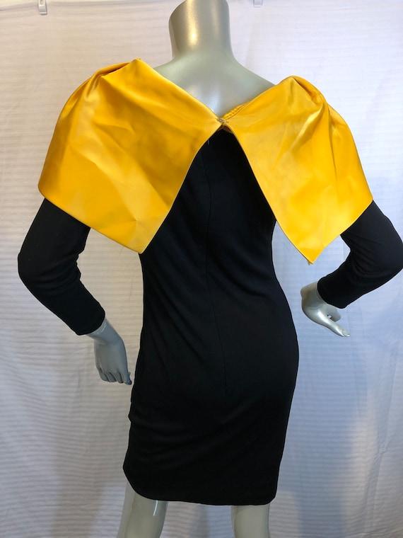 Designer 1960s Golden Metallic Brocade Lame Full Skirt with Velvet Trim MIGNON Paris New York XS SMALL