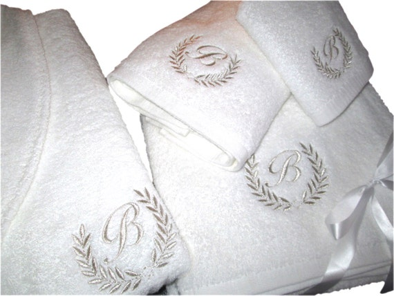 2d0448e658 5 Hotel Edition White Set Bathrobe Bath Towels with Silver