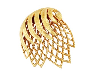 Gold Abstract Lattice Brooch By Monet, 1970s