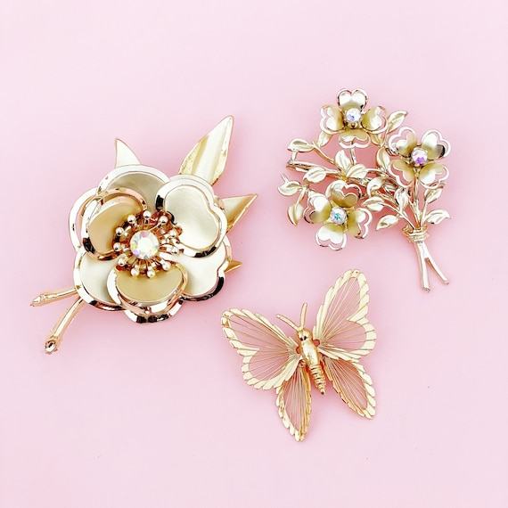 Beautiful Vintage Aurora Borealis Crystal Brooch Pin Flower Brooch Bouquet SHIPS FREE Something Old
