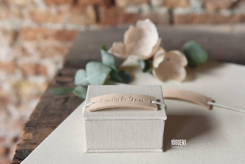 Personalized ring box with leather label