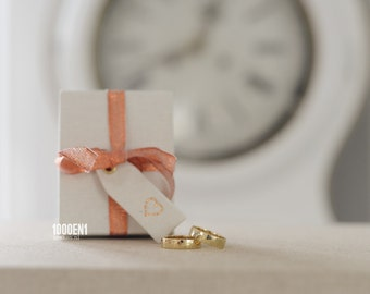 Personalized ring box with copper bow