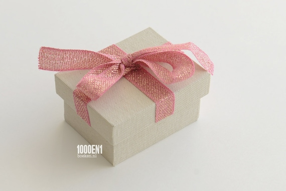 Personalized ring box vintage linen pink