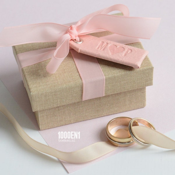Personalized ring box vintage linen pink image 1