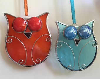 Stained glass googly eyed Owl sun catcher, hanging, decoration
