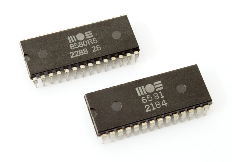 Commodore 64 SID Chip type 6581 or 8580