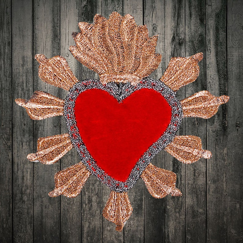 2pcs Red Heart Embroidery Iron on patch sewn  applique Embroidered DIY Motif