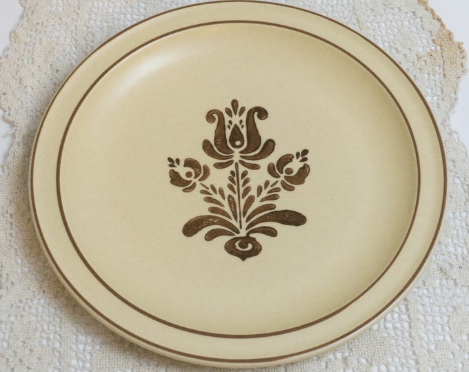 Four Vintage Dinner Plate in Village (Made in USA) by Pfaltzgraff Like New