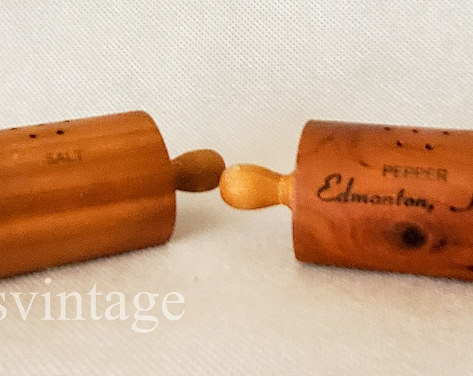 Vintage Edmonton Kentucky Souvenir Wood Rolling Pin Salt & Pepper Shakers