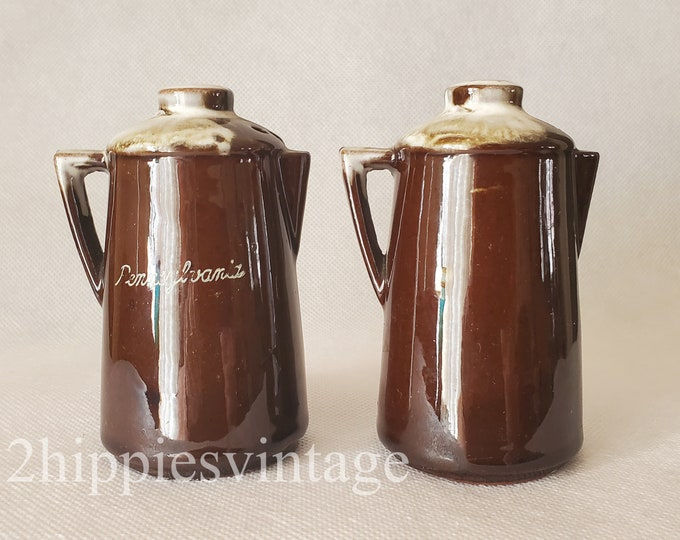 Vintage Souvenir Pennsylvania Ceramic Coffee Pot Salt & Pepper Shakers