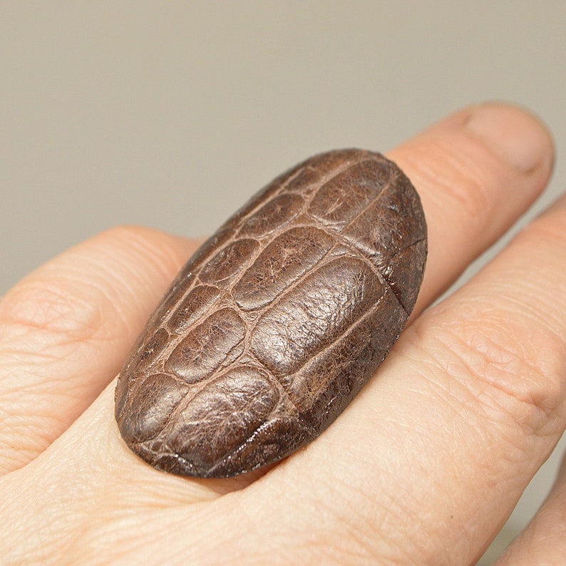 Large leather Ring geometric ovale embossed Leather jewelry