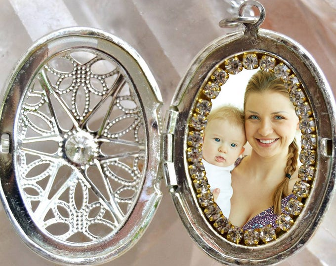 Locket - Your Own Photo - Custom Picture Necklace - Personalized Necklace - Photo Jewelry - Photo Necklace - Photo Pendant Necklace