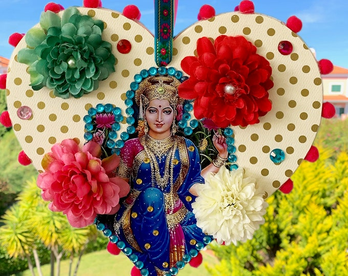 UNIQUE Lakshmi Hanging Heart wood - Handmade