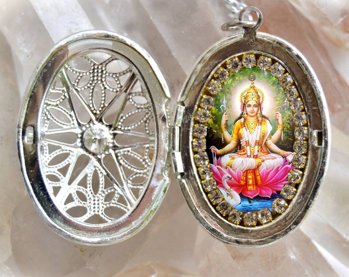 Saraswati Vandana Goddess Handmade Locket Necklace Hindu Jewelry Sarasvati
