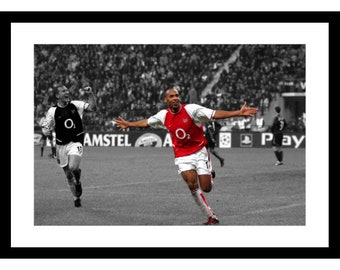 48b67b586 Thierry Henry Arsenal FC Legend Spot Colour Photo Memorabilia