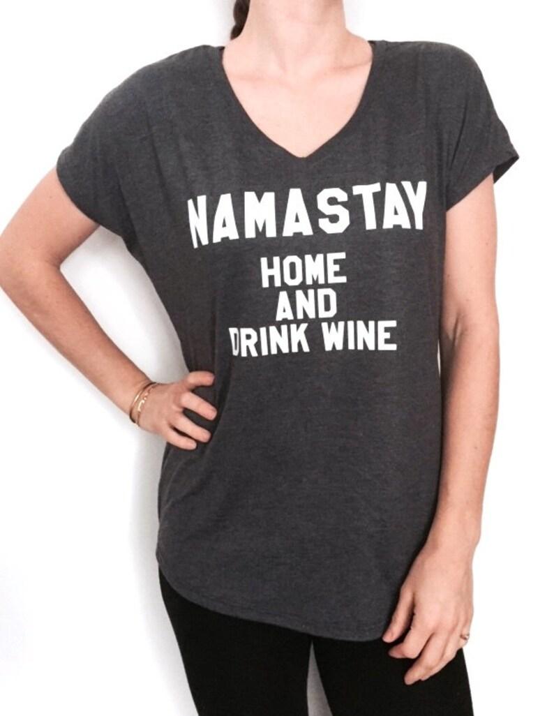 Casa Y Señoras Beber Vino Yoga En Humor Presente Mujeres Regalo Yogui Triblend Con Camiseta De Namastay Cuello Divertido V Gracioso 8wn0OXPk