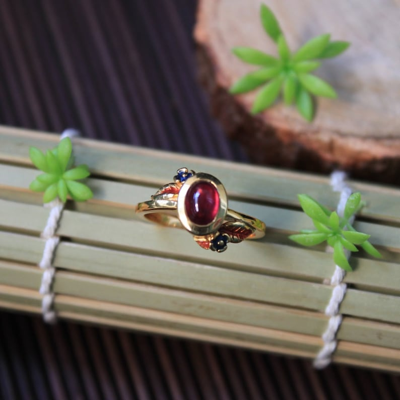 92.5 Silver with 18K Yellow Gold Plating and Thai Enamel Classic African Ruby Thai Styled Ring Size 6 34 US. Heated