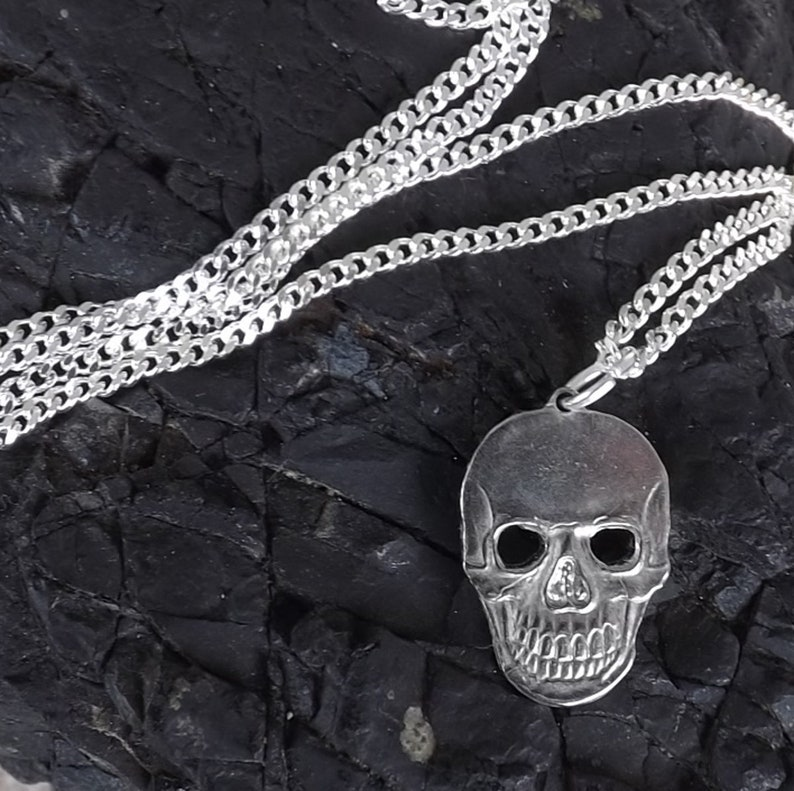 Coin jewellery - skull pendant hand-cut from a hobo nickel