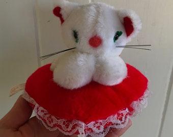 1980s Russ Berrie Valentine kitten heart pillow