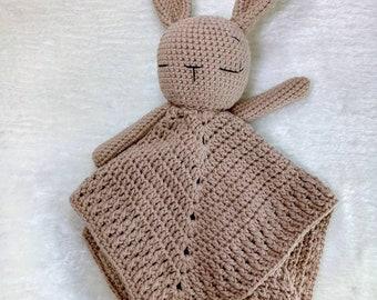 Baby snuff cloth rabbit crocheted, pure cotton