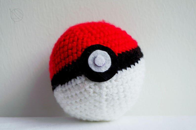 Pokeball crocheted big image 0