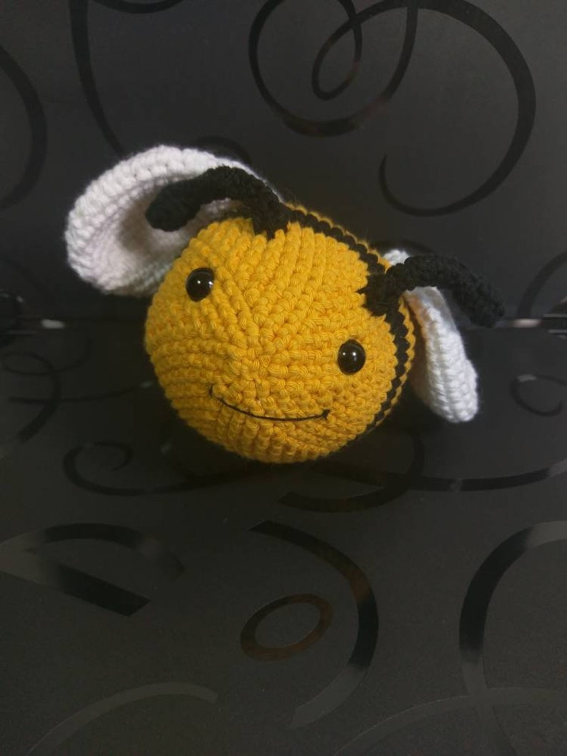 Amigurumi Bee image 0