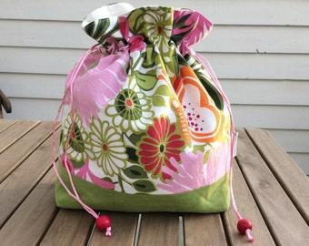 Pink calendula - Medium sized drawstring project bag for knitting + matching needle holder (DPN cozy)