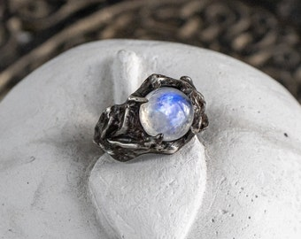 Elven moomstone ring Moonstone Delicate Ring Silver Rainbow Moontone Ring with Rose Flower Blanca Thin Moonstone ring Nice flower ring